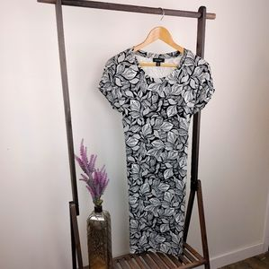 LORD & TAYLOR | Black and White Floral Dress